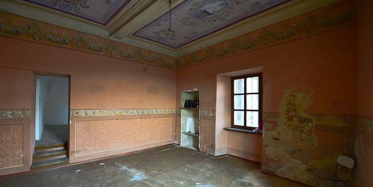 pino-d-asti-salone