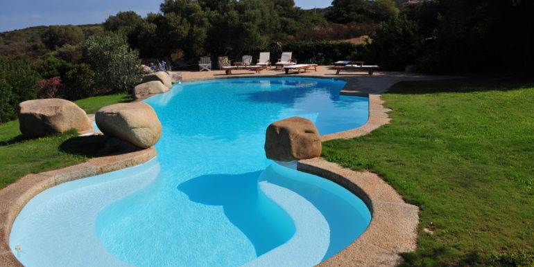 San Pantaleo swimmingpool