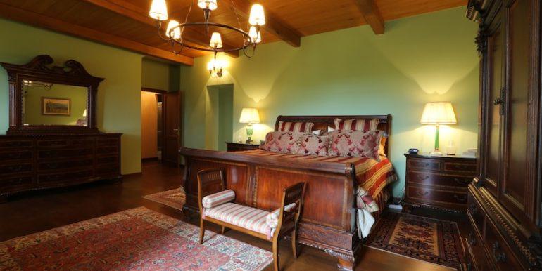 2 Master bedroom2