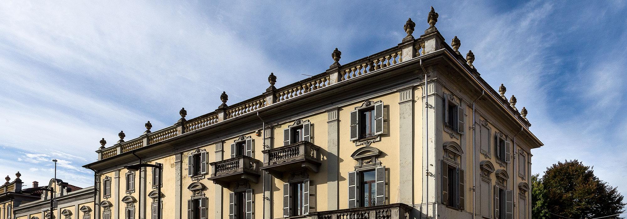 Palazzo storico nel centro di Rivarolo
