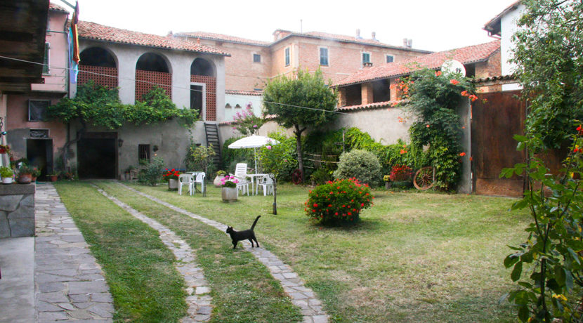 mombaruzzo_giardino1