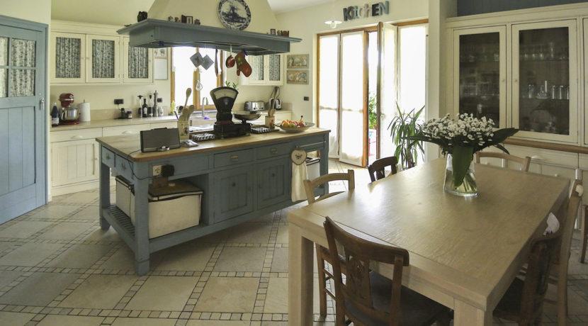 Rivoli_1806_kitchen1_1