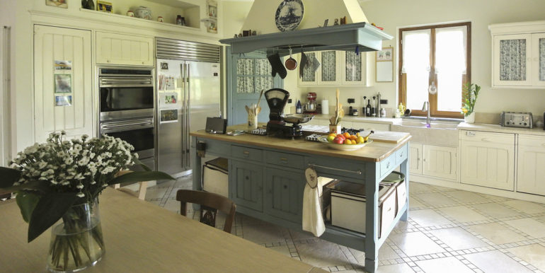 Rivoli_1806_kitchen2_1