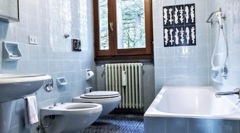 CloudHouse_Blue Room Bathroom Best