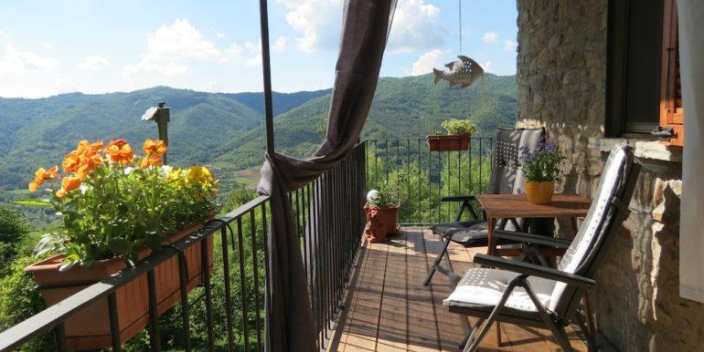 Prunetto_balcony